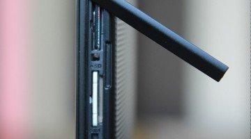 Micro-SIM & micro-SD slots
